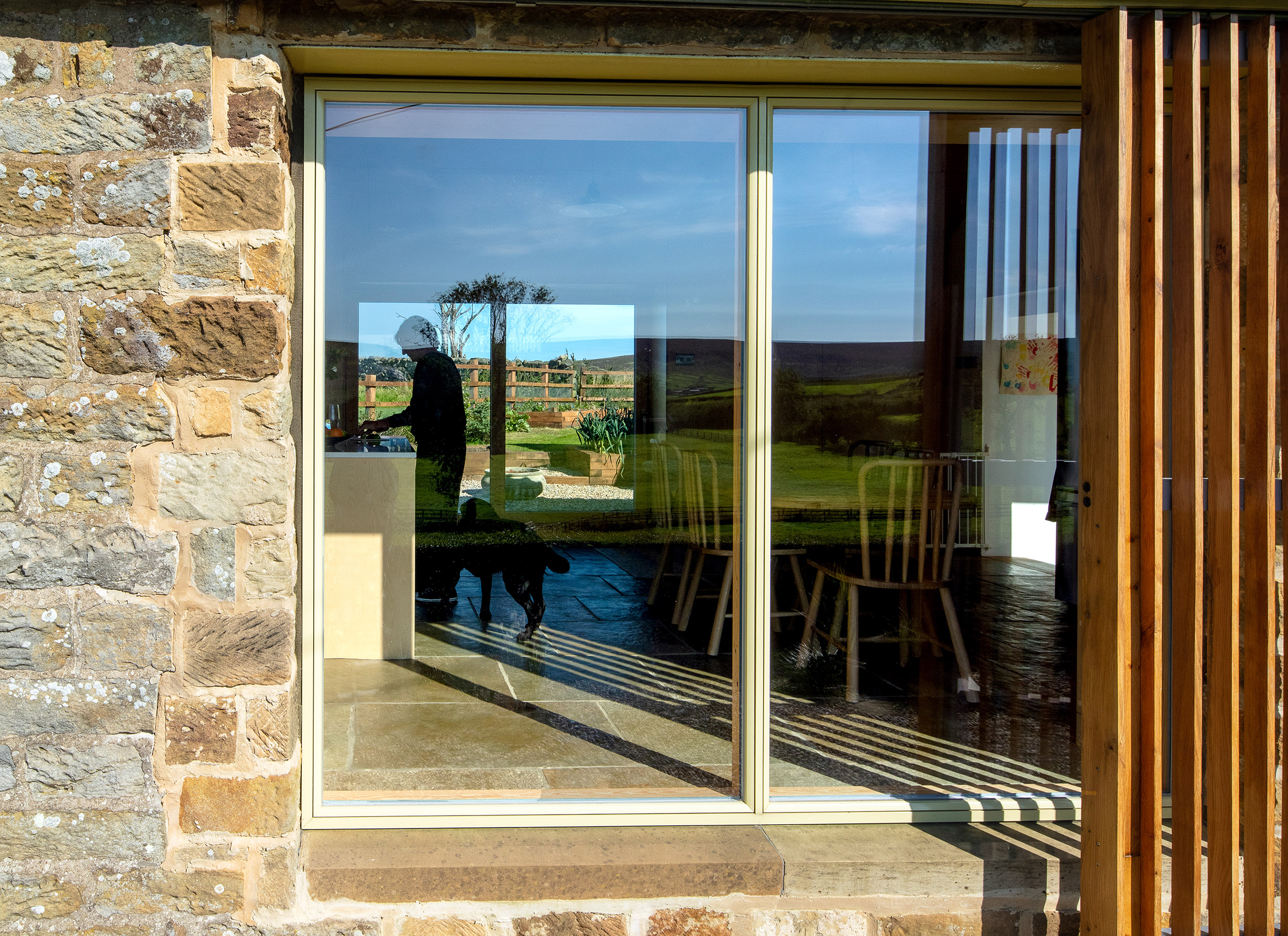 harper-perry-architects-housing-barn-westerdale-north-yorkshire-glazing-full-height